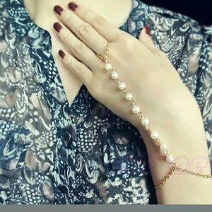 Jewelry - ADD 4 FREE Stunning Pearlescen Ring Harem Bracelet